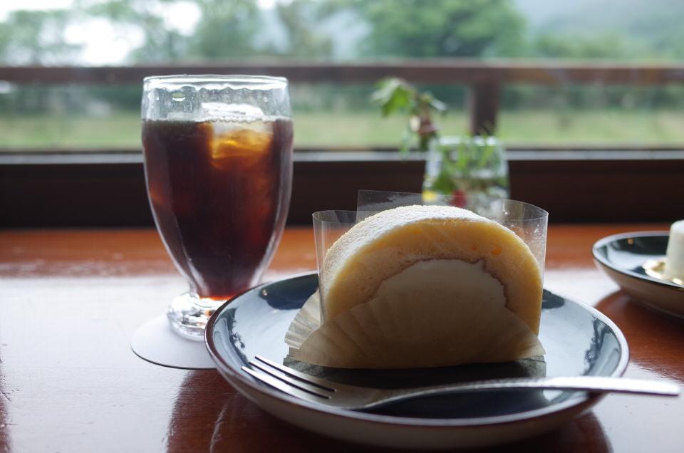 マヌカハニーロールケーキ
