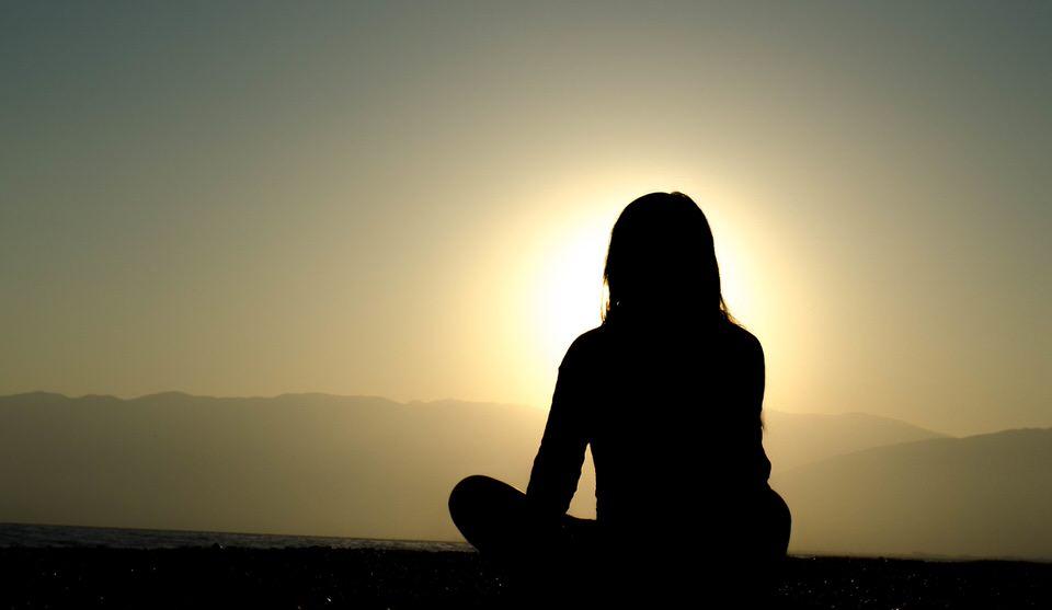 今を生きている事を実感するのに瞑想はピッタリ!自分の心と体の声を聞いてみよう。